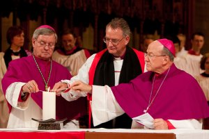Catholics, Anglicans unite for prayer