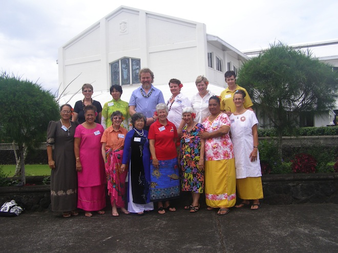 Rhonda Porteous with members of American Samoa's first women's Cursillo team.  With them is the team's spiritual advisor Fr Carl Mackander from Dunedoo/Coolah parish NSW.
