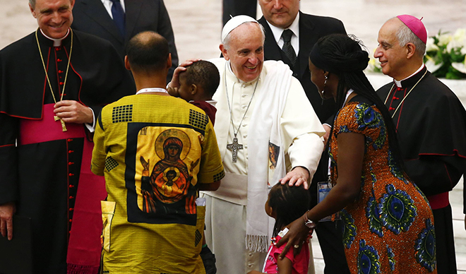 Pope Francis blesses family