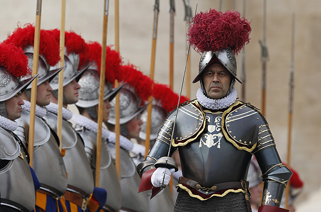 The Swiss Guard, The Official Bodyguards Of The Pope, Says: The ...