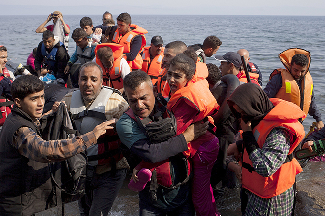 Syrian refugees on boat