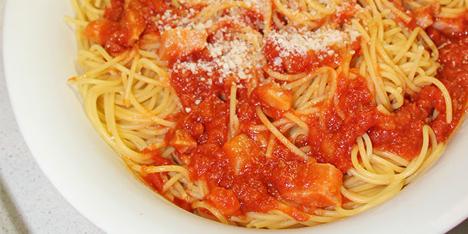 Italian mum and traditional spaghetti all'amatriciana master urges Brisbane chefs to add dish to menus for quake victims