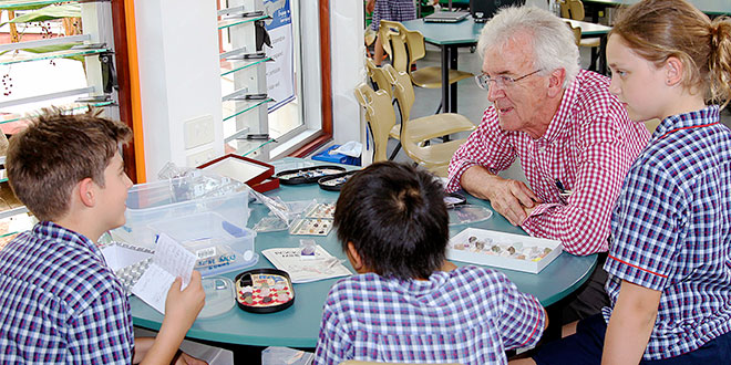 State's chief scientist Dr Geoff Garrett impressed with Algester Catholic school's environmental learning centre