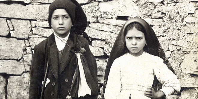 Pope sets canonization date for Fatima siblings