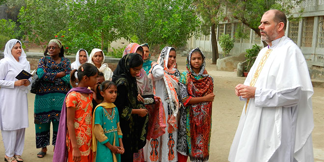 Irish priest who says more funerals for children than adults in Pakistan says Church should be present 'with people in difficult times'