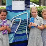 Holy Cross, Wooloowin students yarnbombing