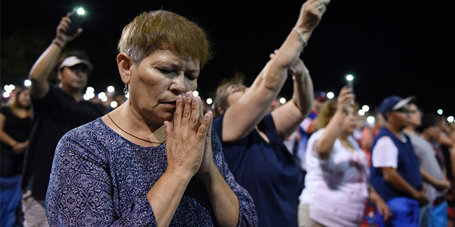 From Queensland to Vatican, Catholics join prayers for the