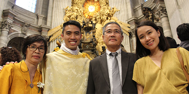 Family joy: Deacon Adi Indra (second from left) celebrates his ordination to the diaconate with his parents, Yanti and Hasan Indra and sister Eveline Indra. Photos: PNAC (Rome)