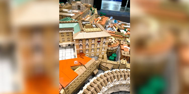 Beauty in plastic: The ancient architecture of Rome made real through Lego bricks.